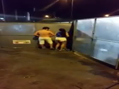 Ivete Sangalo flagra casal transando na micareta