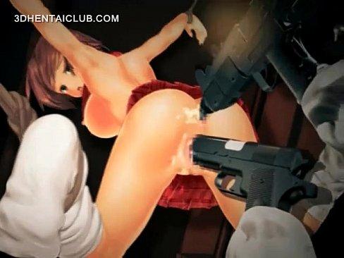 Enfiando o revólver na buceta e no cuzinho