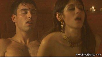 Filme porno Indiano interracial cena romântica envolvente