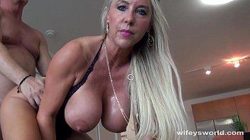Prostituta coroa peituda em video amador